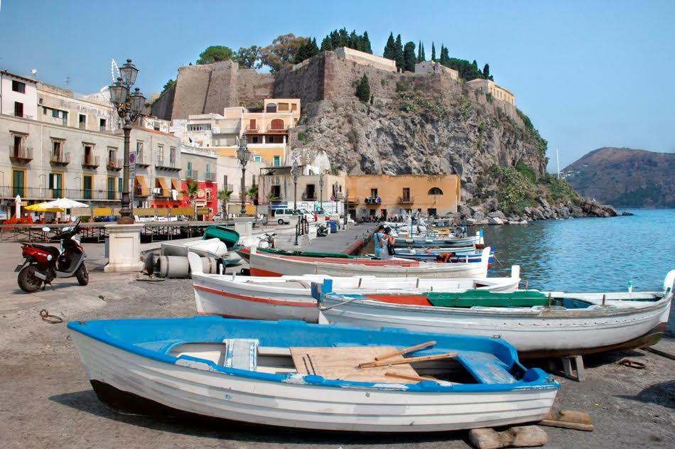 Surrounding areas & excursions | Hotel Taormina | Holidays in Sicily | Hotel 4 Star | Boutique Hotel Taormina is centrally