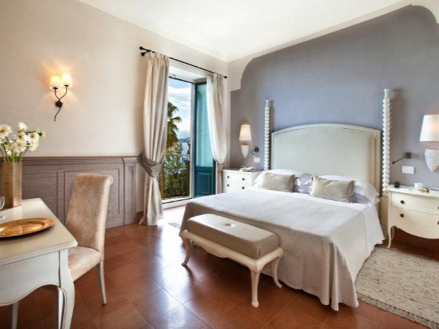 French Balcony | Camere Alberghi a Taormina | Hotel 4 stelle | Boutique Hotel Taormina